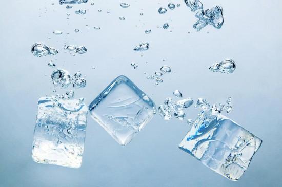 创意摄影冰水交融