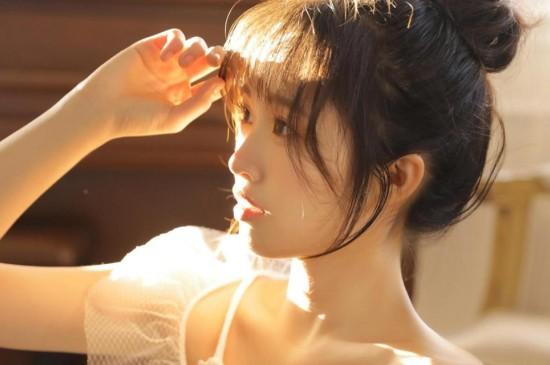 文艺美少女清纯可爱写真