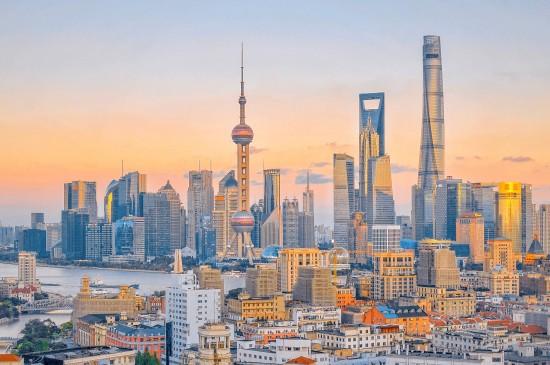 日落中的上海城市风光