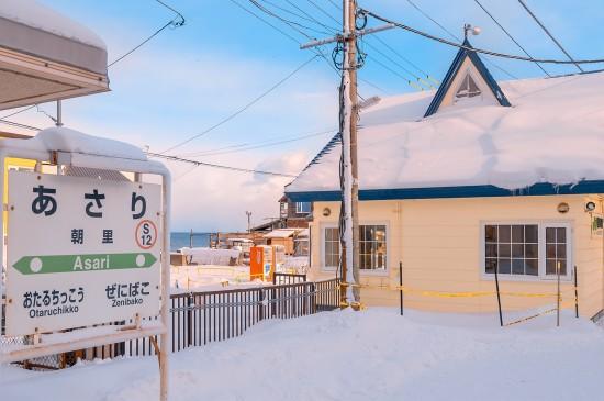 冬天朝里车站的唯美雪景