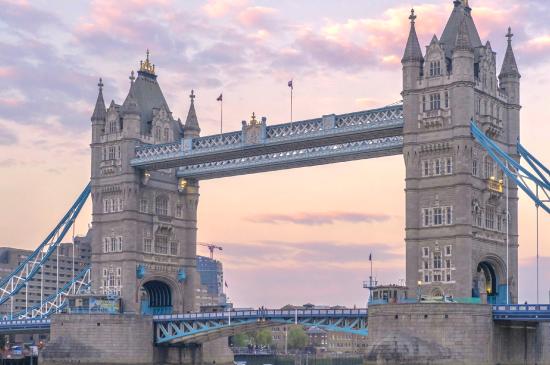 英国浪漫的泰晤士河
