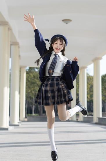 JK制服少女的清纯灵动可
