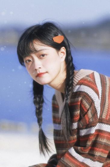 清纯少女冬季灵动可爱写真