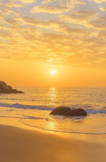 海上夕阳西下唯美风光