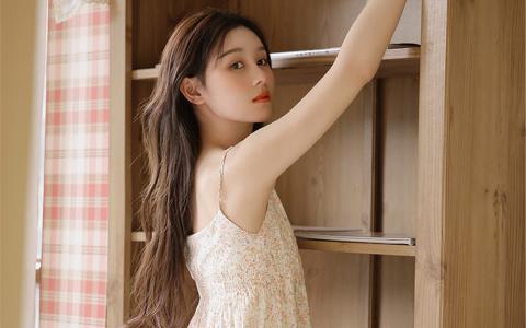 美女性感尤物巨乳美腿蕾丝内裤写真高清桌面壁纸
