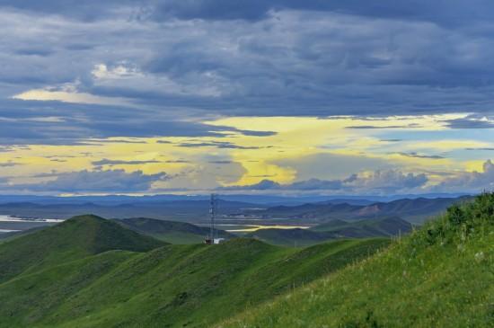 青藏高原的唯美天空景色