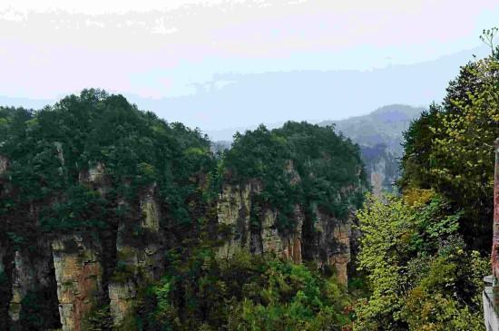 巍峨壮观的杨家界