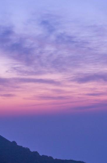 山间清晨唯美景色