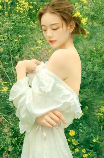 森系美女清纯气质写真
