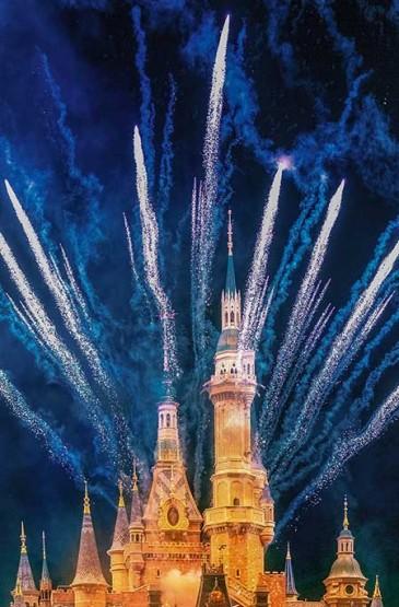 迪士尼乐园夜晚灿烂烟火