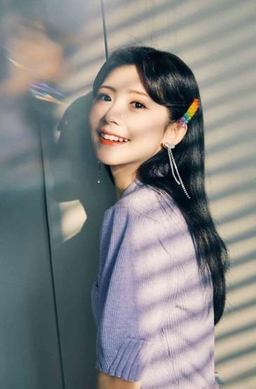赖美云清纯甜蜜笑容写真